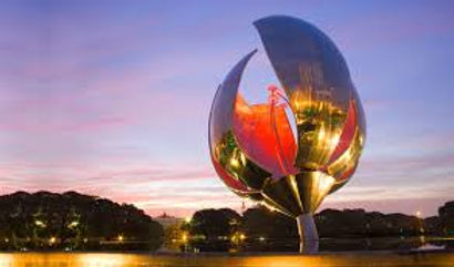 Floralis Genérica, Praça das Naciones Unidas.Buenos Aires.