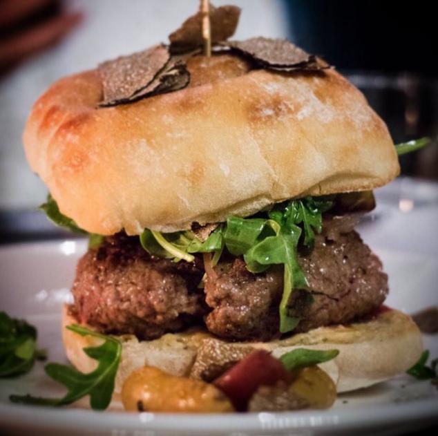 Oak's Hamburger