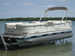 22' Playbouy Pontoon