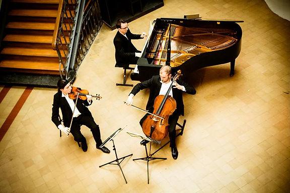 The Spilliaert Trio in Brussels : Jean-Samuel Bez, Guillaume Lagravière & Gauvain de Morant