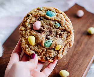EASTER SPECIAL: Mini Eggs Cookie
