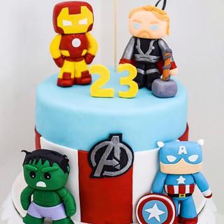 marvel-themed cake