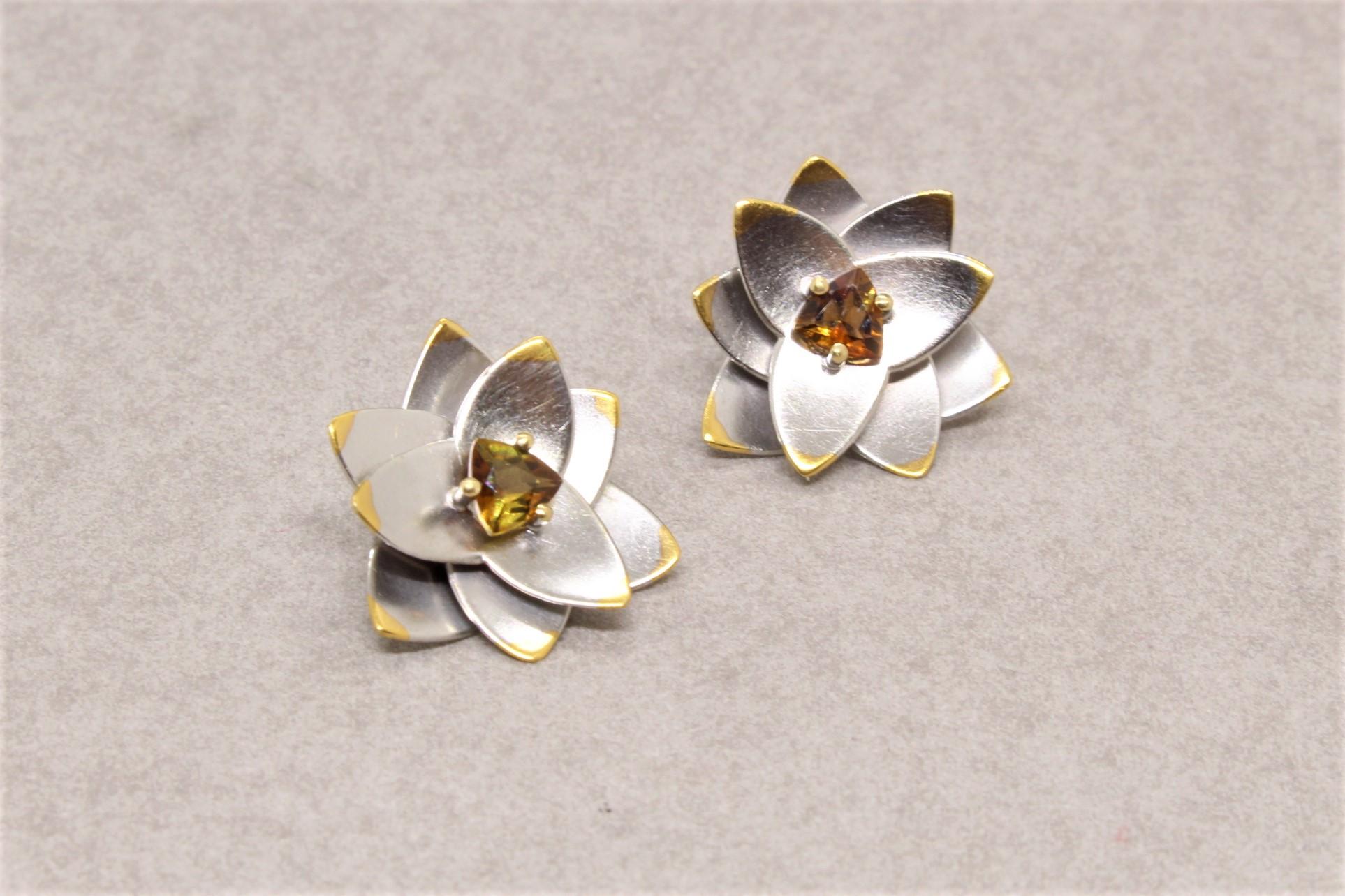 Lotusblüten-Ohrstecker