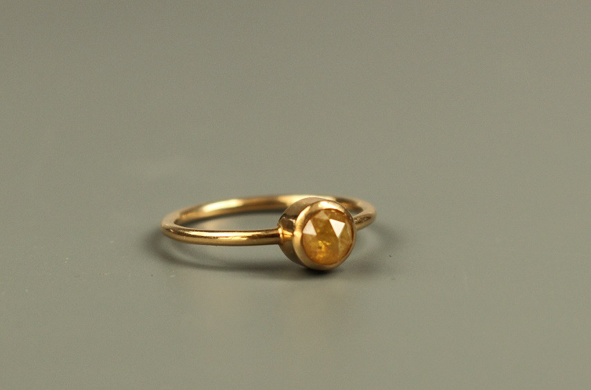 Verlobung gelb