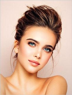 meisje met mooie haren en makeup. medavita