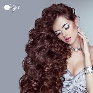 Natuurlijke haarproducten van O'right, medavita en aloxxi voor krullen en krullend haar
