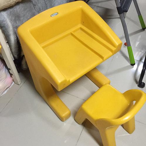 Mesa e Cadeira de Bebê