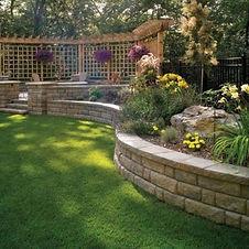 Astonishing-Sloped-Yard-Fence-Ideas-For-