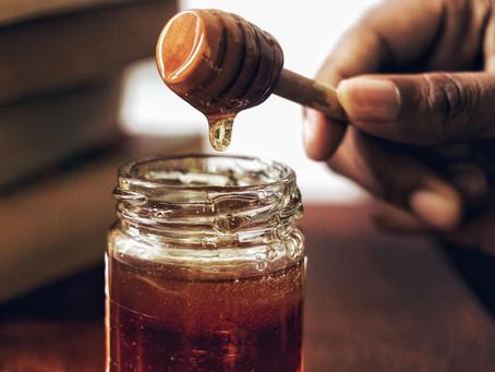 8 Ayurvedic Uses for Honey
