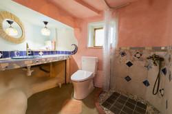 トイレシャワー室02