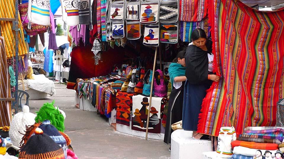 Otavalo_Market_02