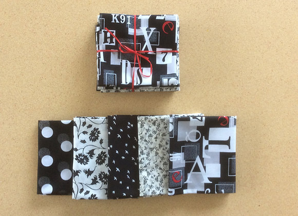 5 fat quarters Mono chrome