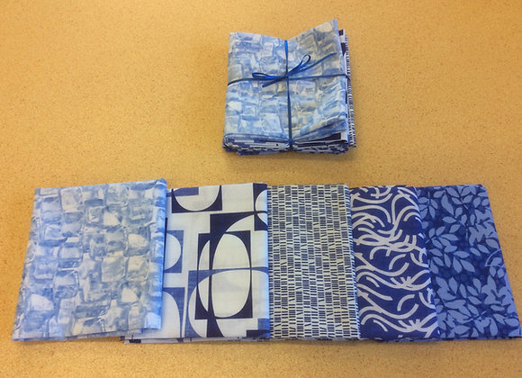 5 fat quarters  Blue and Whites