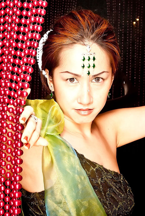 Jade+portrait+toga.jpg