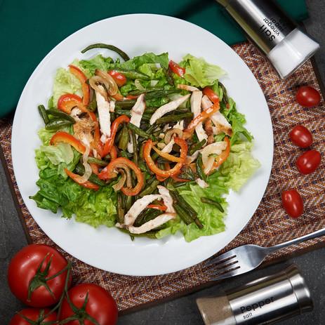 тёплый салат с курицей.jpg