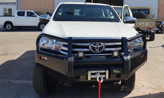Toyota_Hilux_1.jpeg