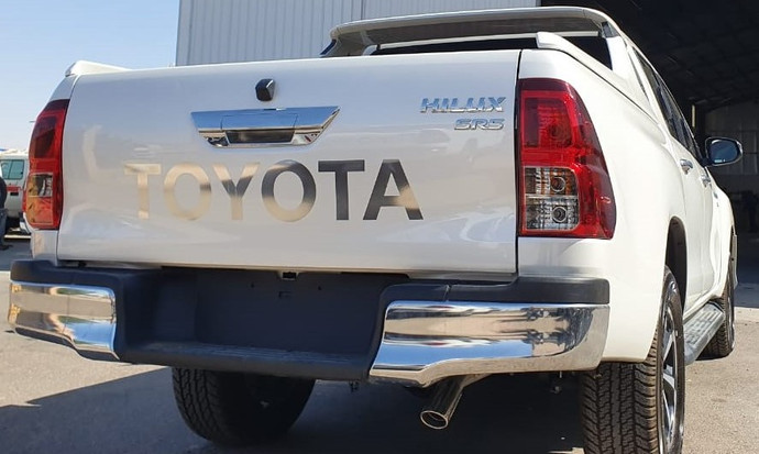 Toyota_Hilux_6.jpeg