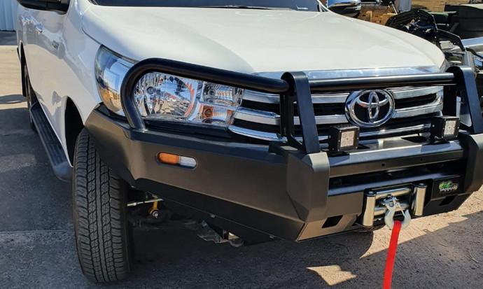 Toyota_Hilux_7.jpeg