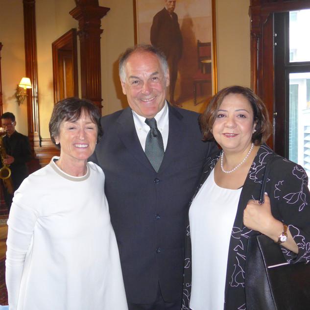 Dre Claire Deschamps accompagnée de son conjoint et Dre Elham Emami