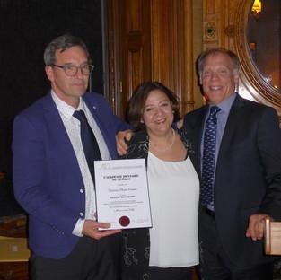 Dr Gilles Lavigne et Dr Boudrias remettent la plaque honorifique à la Dre Elham Emami, Fellow Honoraire 2019