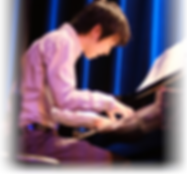 Takumi Kakimoto playing piano
