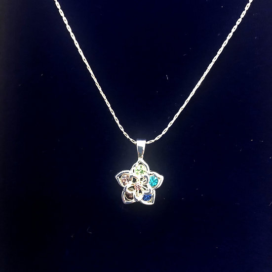 Flower necklace with diamante inlay - INEC 3975