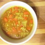 מרק ירקות חורפי עשיר עם גריסים ומש