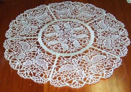 Free standing lace doily
