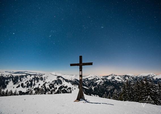 Sternenklar am Gipfelkreuz