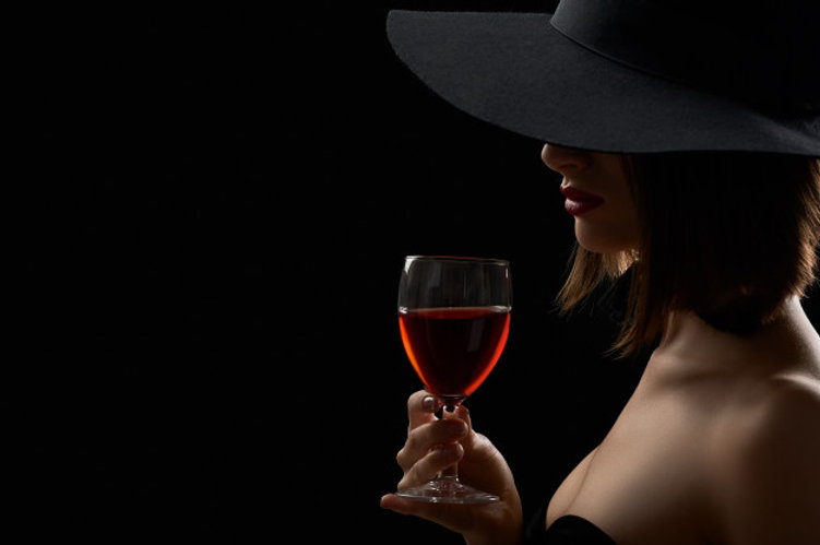 foto-de-uma-mulher-sexy-em-um-chapeu-pre