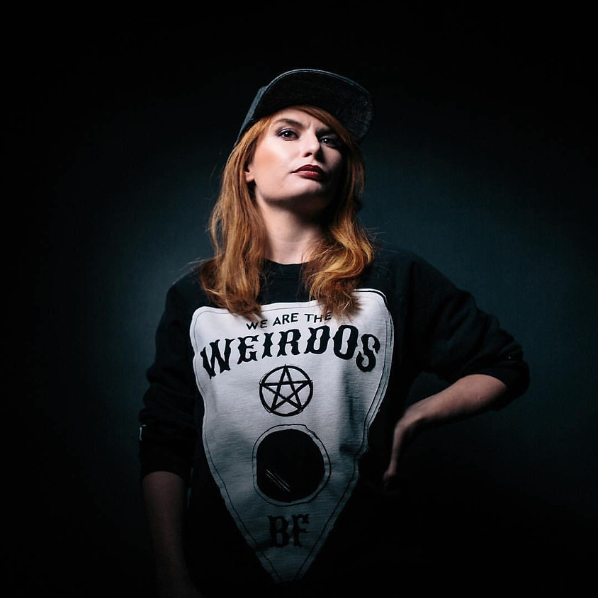 Samantha 'Distinct' Makeif - DJ Battle