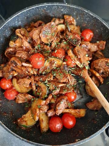 Lamelles de bœuf, courgette et champignons 😋💪