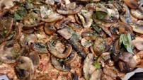 Tarte aux champignons, tomates séchées, feta et basilic 🤩😛