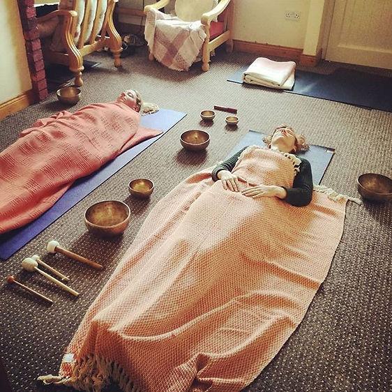 Impromptu Tibetan singing bowl session i