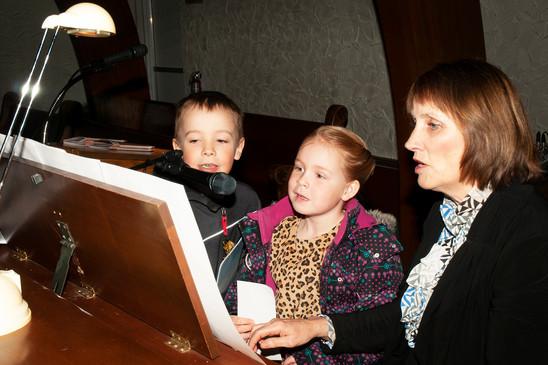 Enfants qui chantent dans la chorale