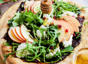 Simple Goat Cheese and Fig Pizza