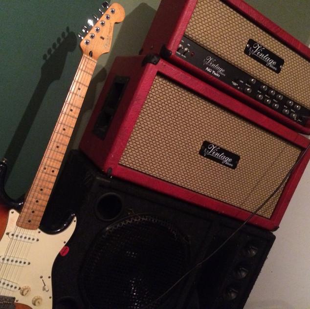 Amp de Guitarra Vintage Valvular.jpeg