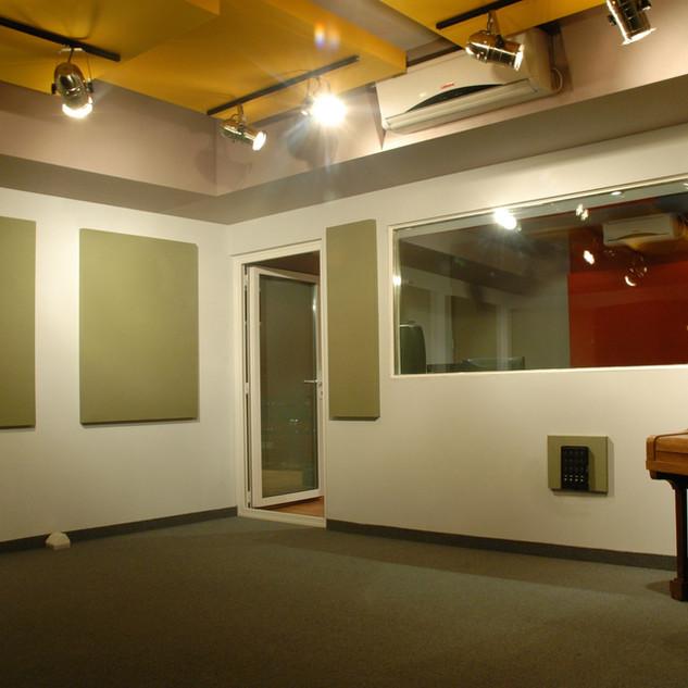 Sala con piano acústico