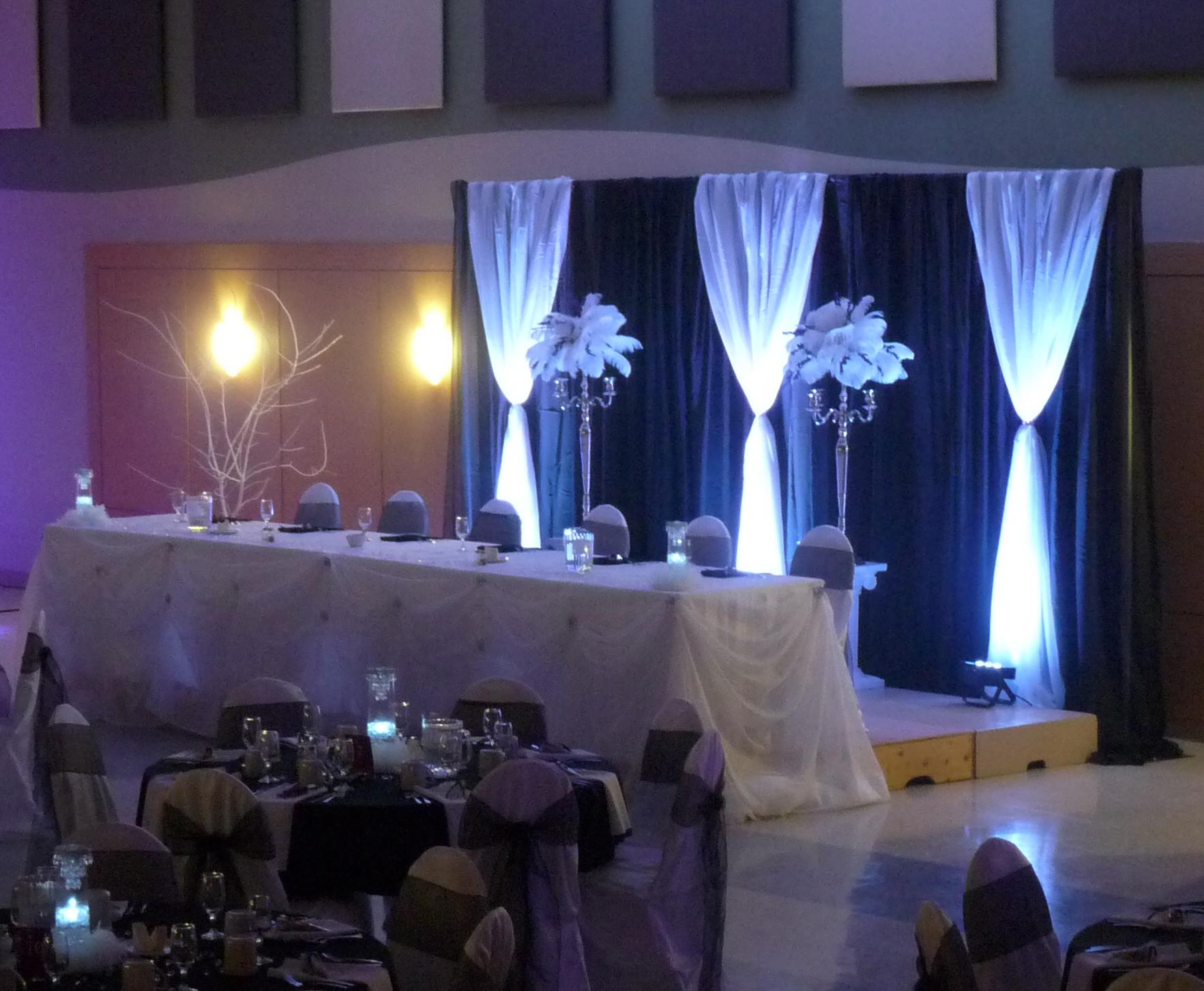 3 head table uplights