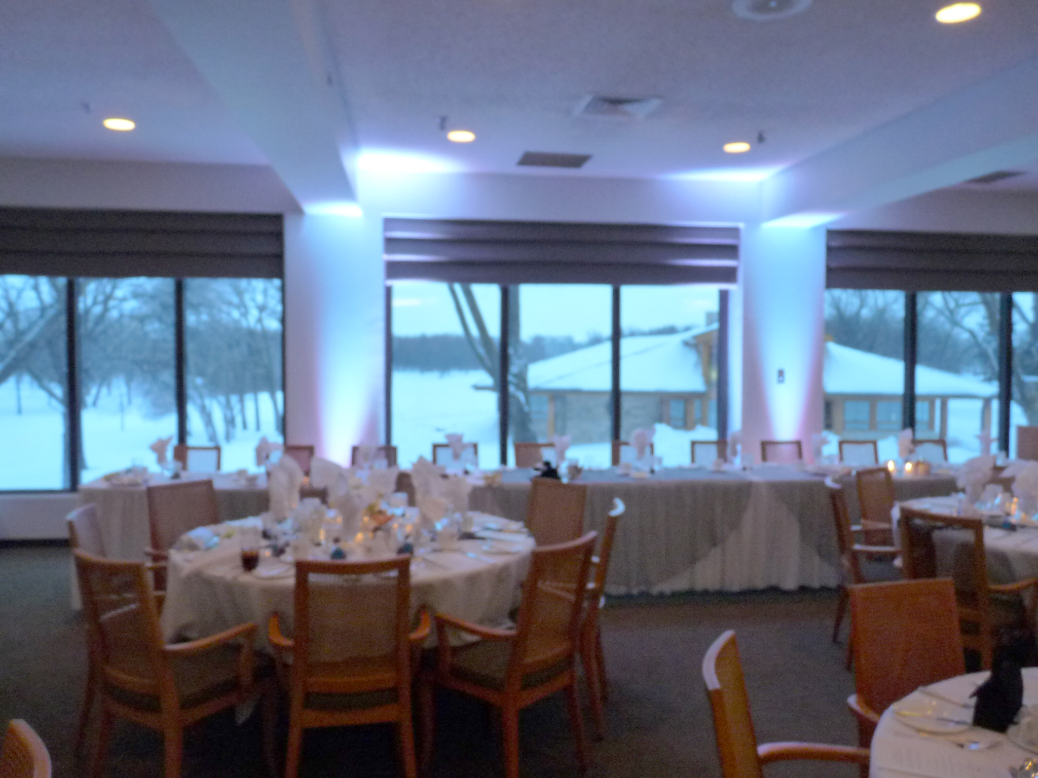 White head table uplighting