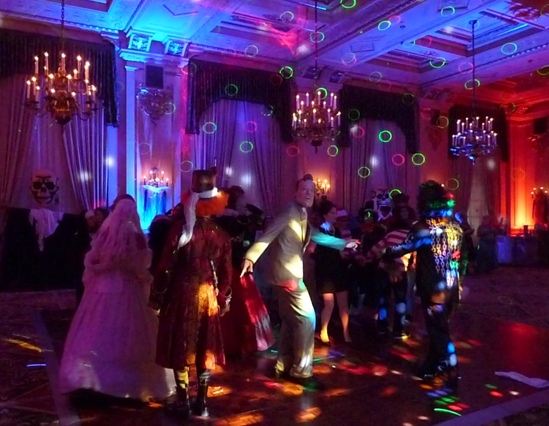 Halloween uplighting: costume ball