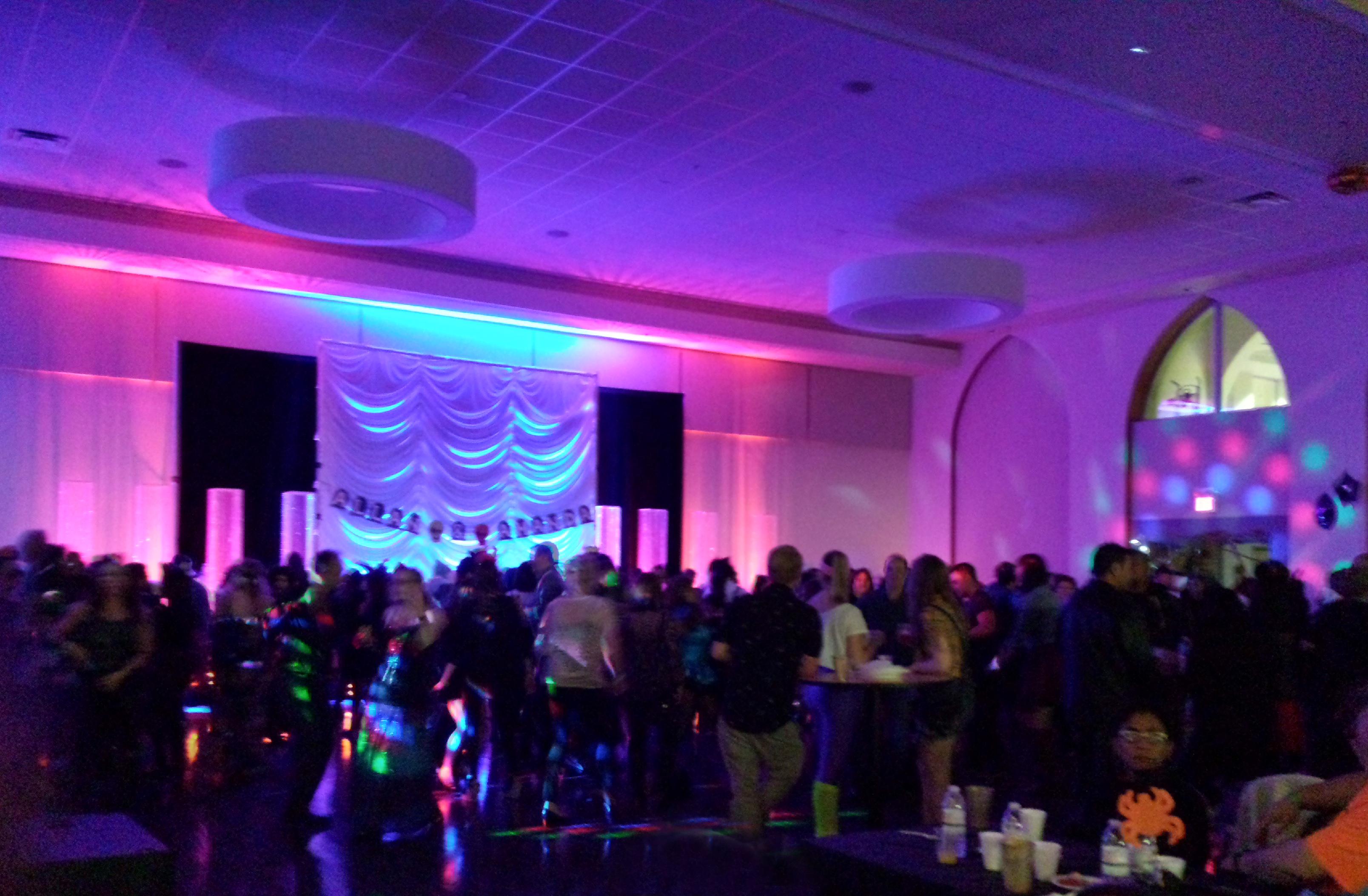 Wedding social auction lighting