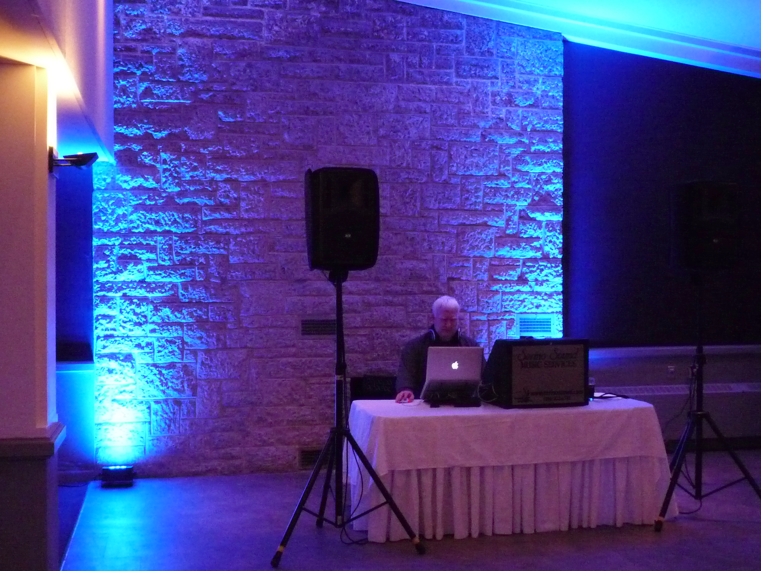 Dance floor uplights