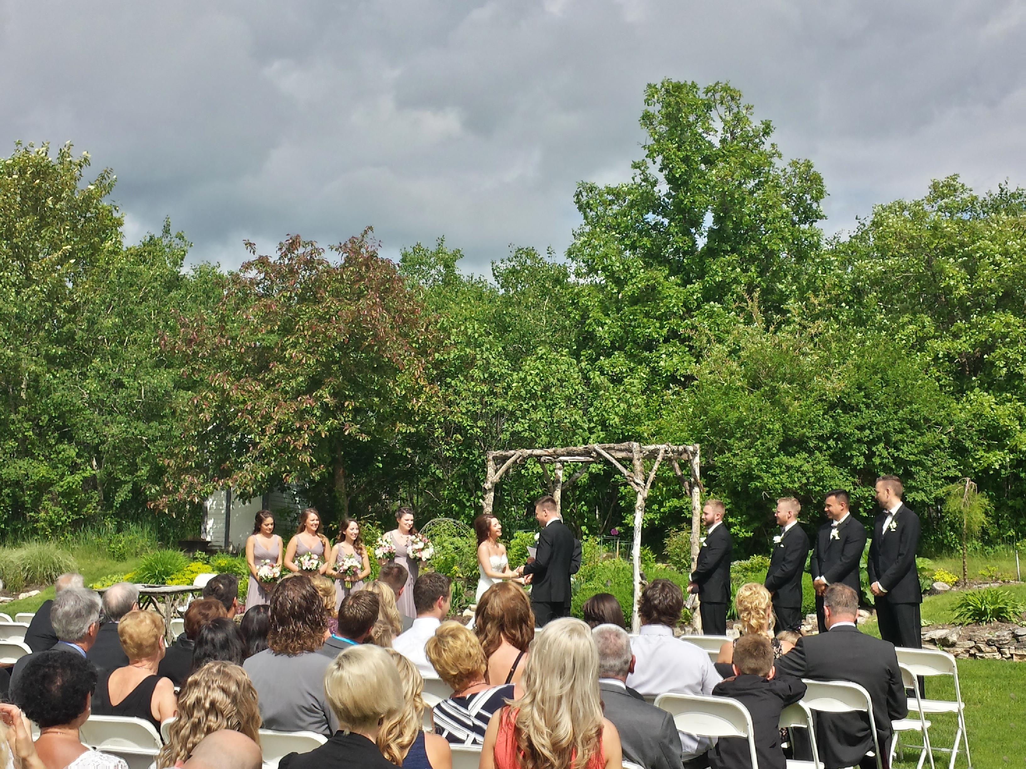 Pine Ride Hollow wedding ceremony