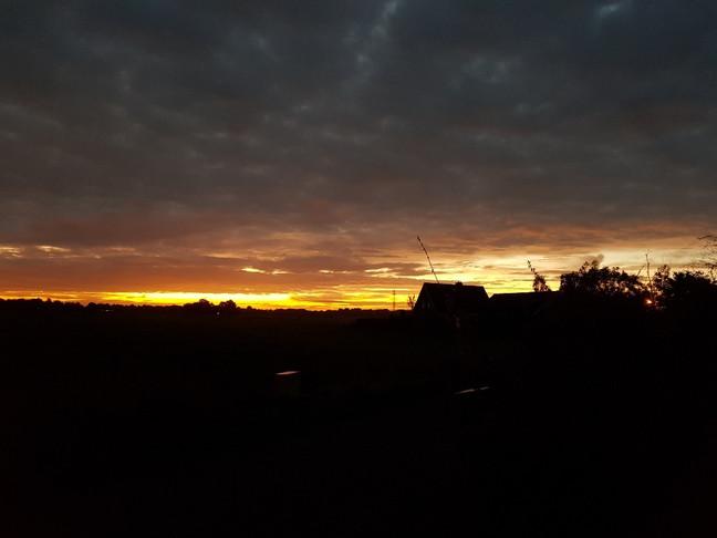 zonsopgang boven de Vossebelt