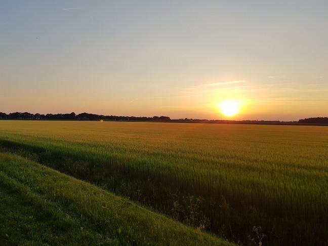 het is stil in Drenthe