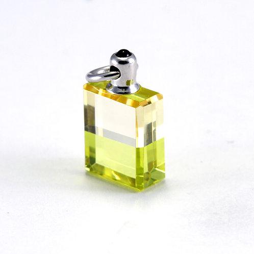 IRIS #74 Triumph - Pale Yellow/Pale Green