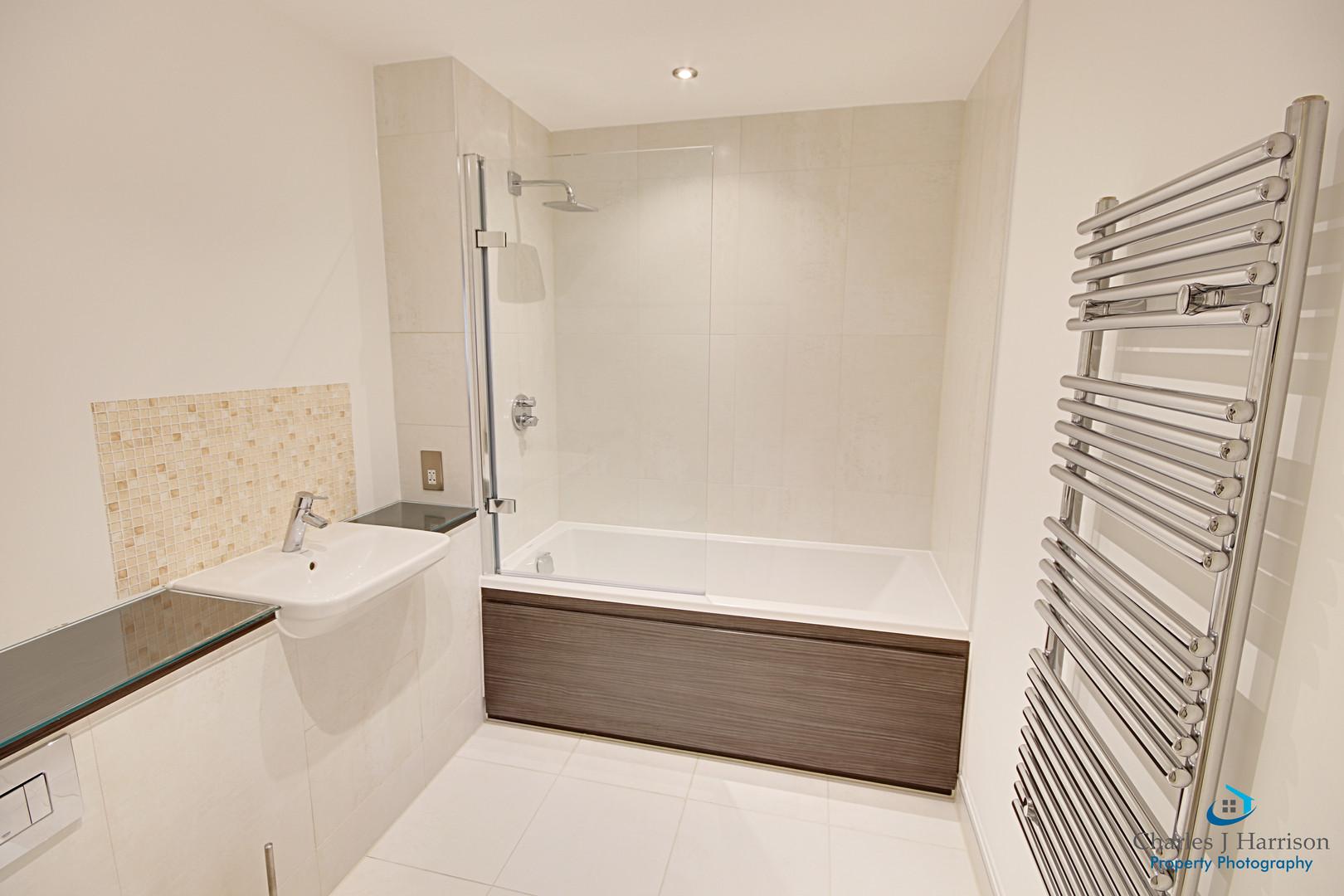 35 Scholars - Bathroom - Copy (2).jpg