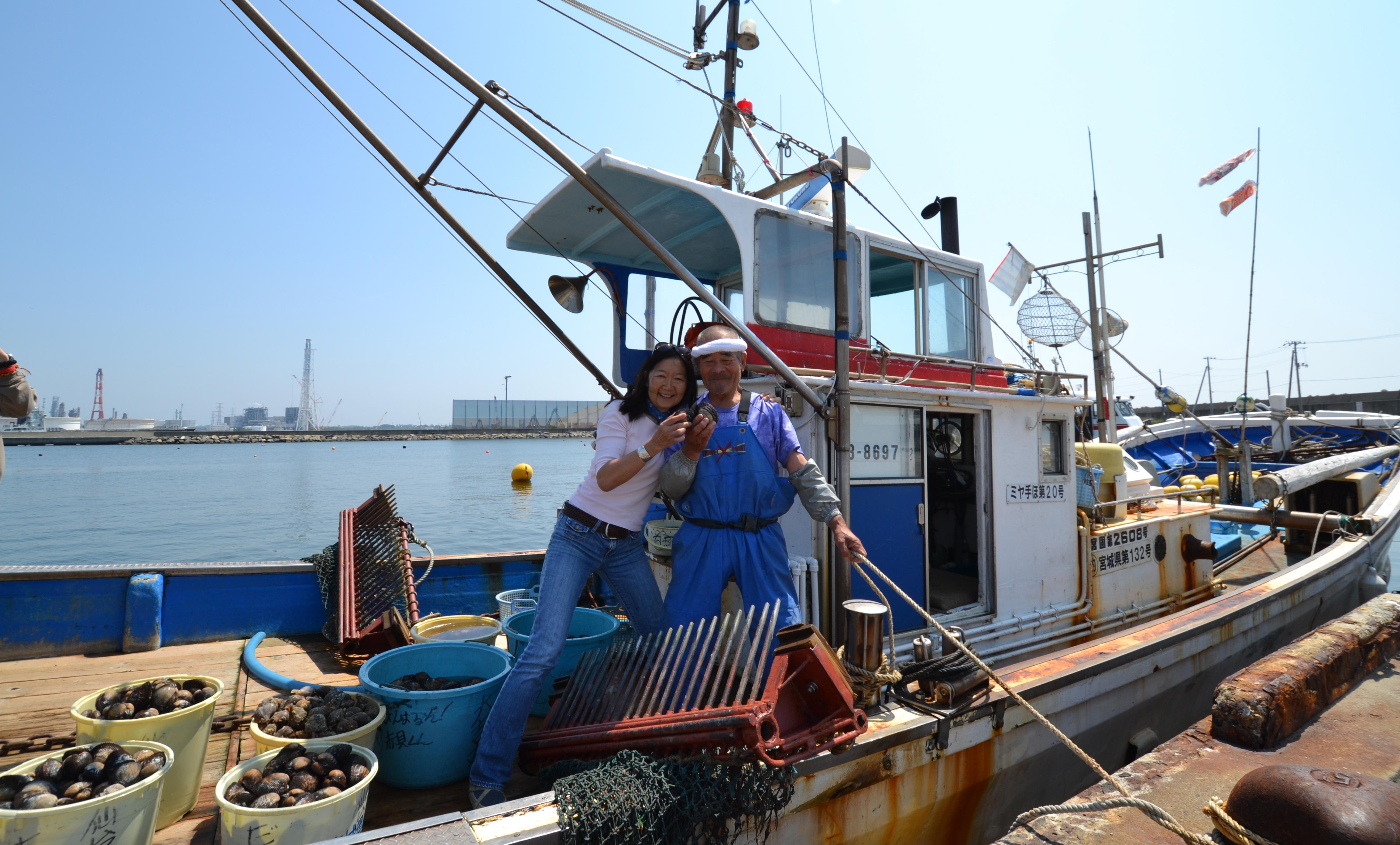 arahama sato fisherman on boat w linda.JPG