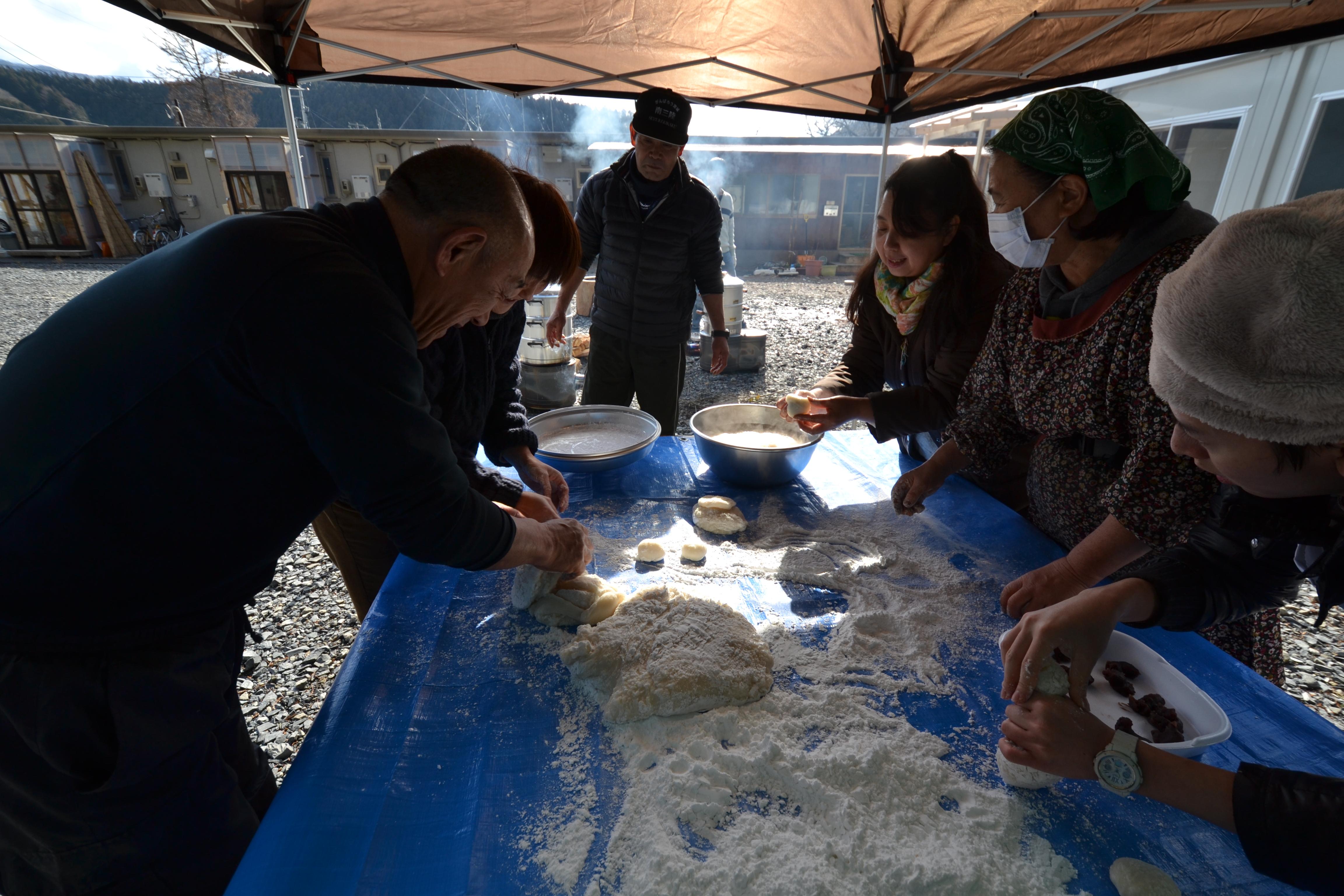 minamisinriku mochi making survivors.JPG